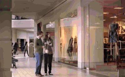 Мужик и женская сумочка